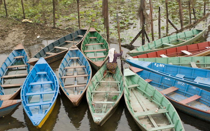 Pokhara - Colourful boats at lake Pokhara